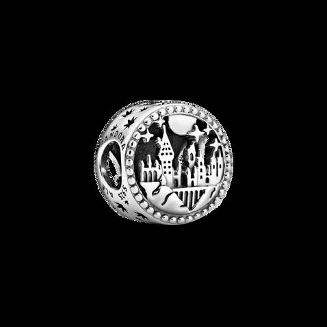 Harry Potter, Charm del Colegio Hogwarts de Magia y Hechicería