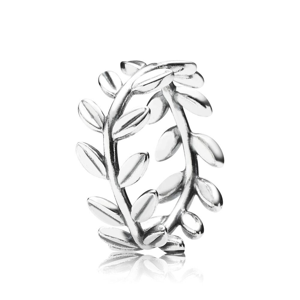 33d457676 Laurel Wreath Ring