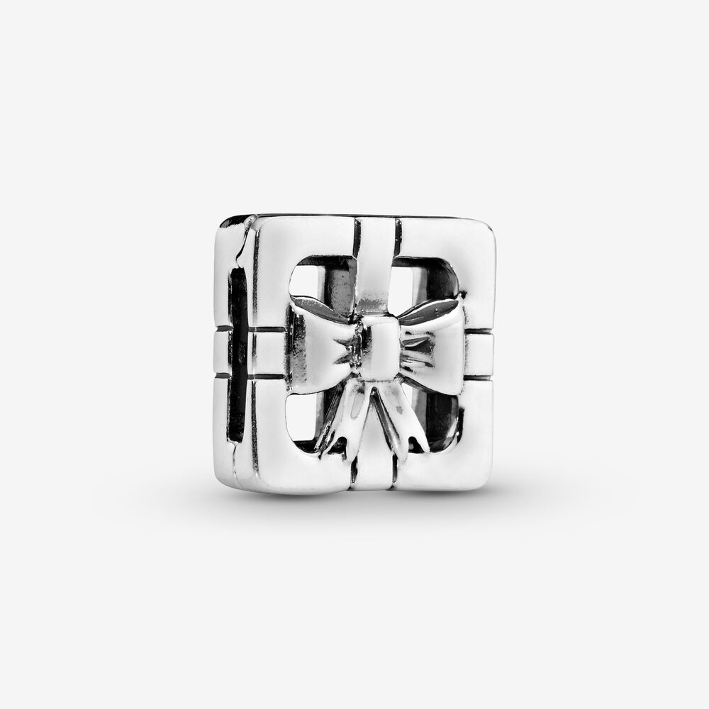 Openwork Gift Box Clip Charm