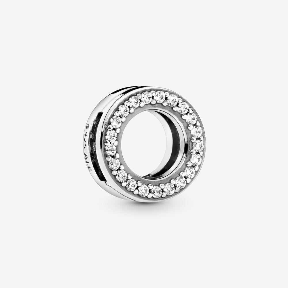 Circle of Pavé Clip Charm | Sterling silver | Pandora US