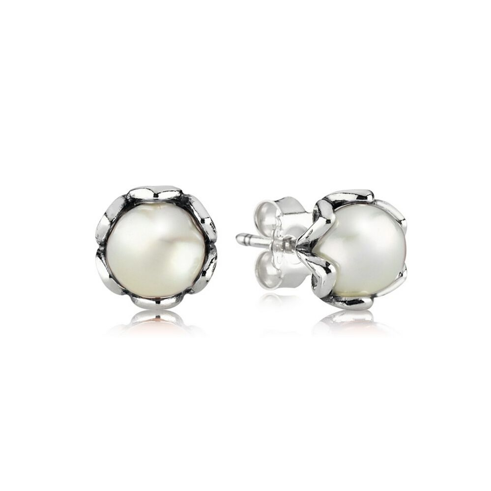 pandora pearl earrings