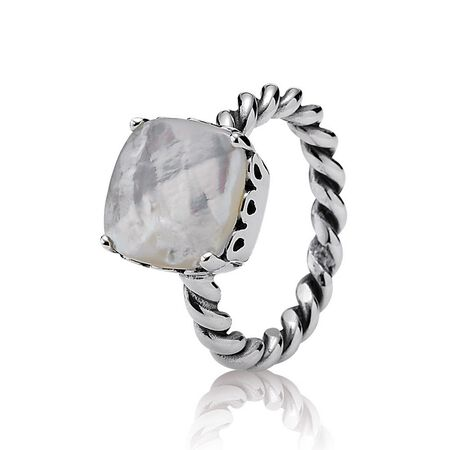 Elegant Sincerity Twist Ring, Mother of Pearl