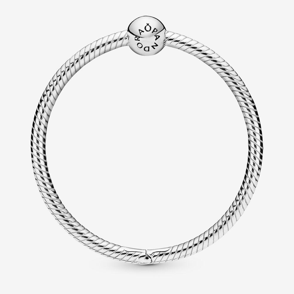 Pandora Moments O Charm Holder | Sterling silver | Pandora US