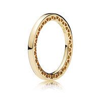 Classic Hearts of PANDORA Ring, 14K Gold