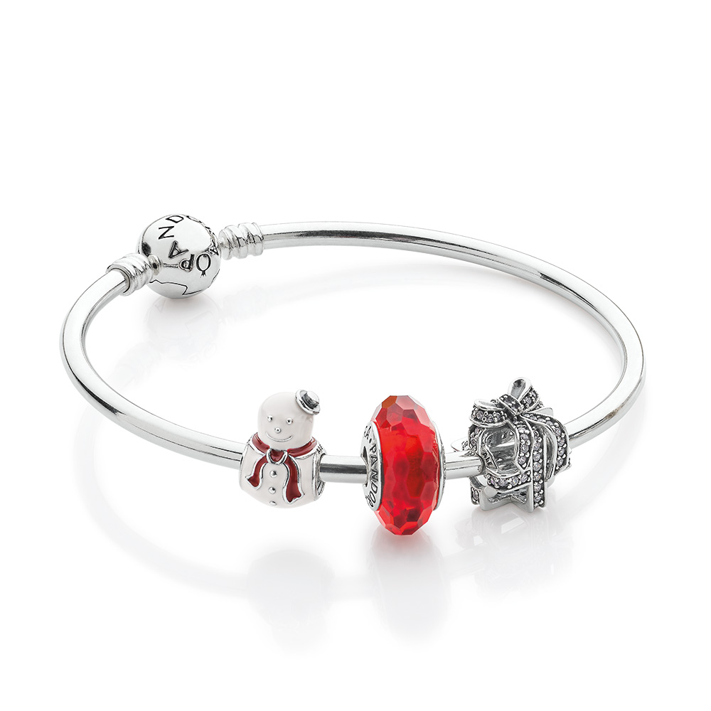 Spirit of the Season Bracelet Set