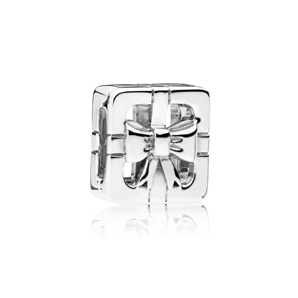 PANDORA REFLEXIONS™ Sweet Gift Box Clip Charm