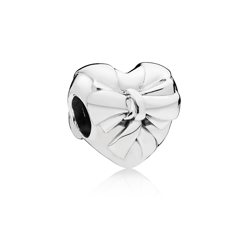 Brilliant Heart Bow Charm